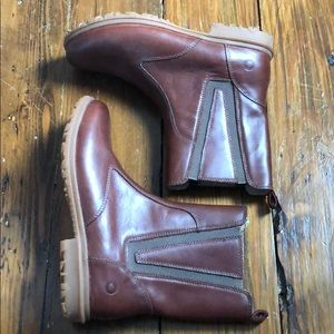 Bogs women's Leather upper boots /new size 8.5